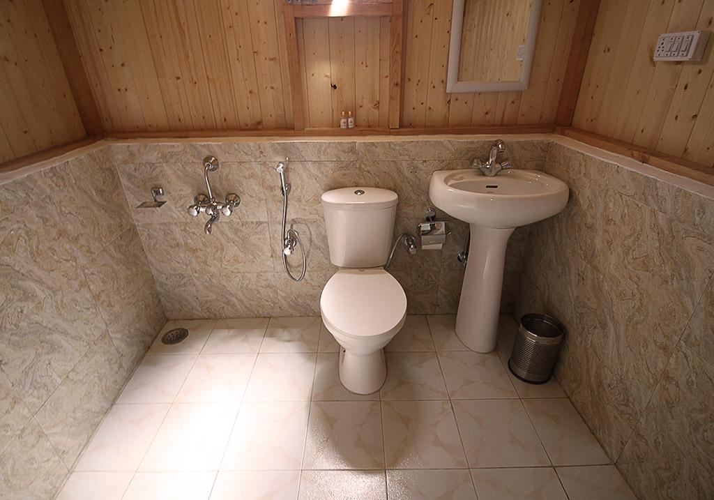 Bathroom facility at Pangong Comfort