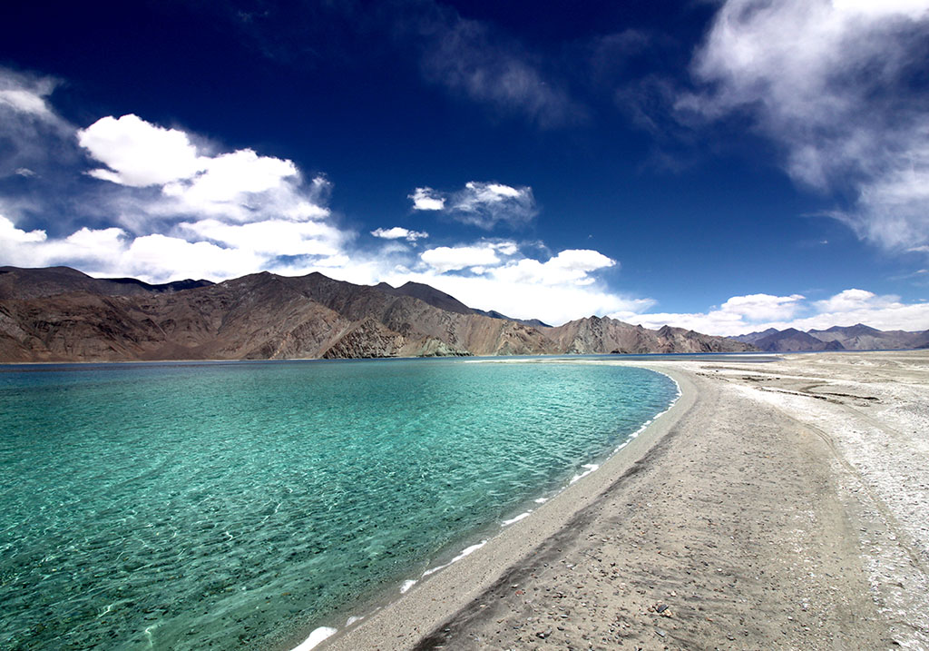Shore line of pangong lake