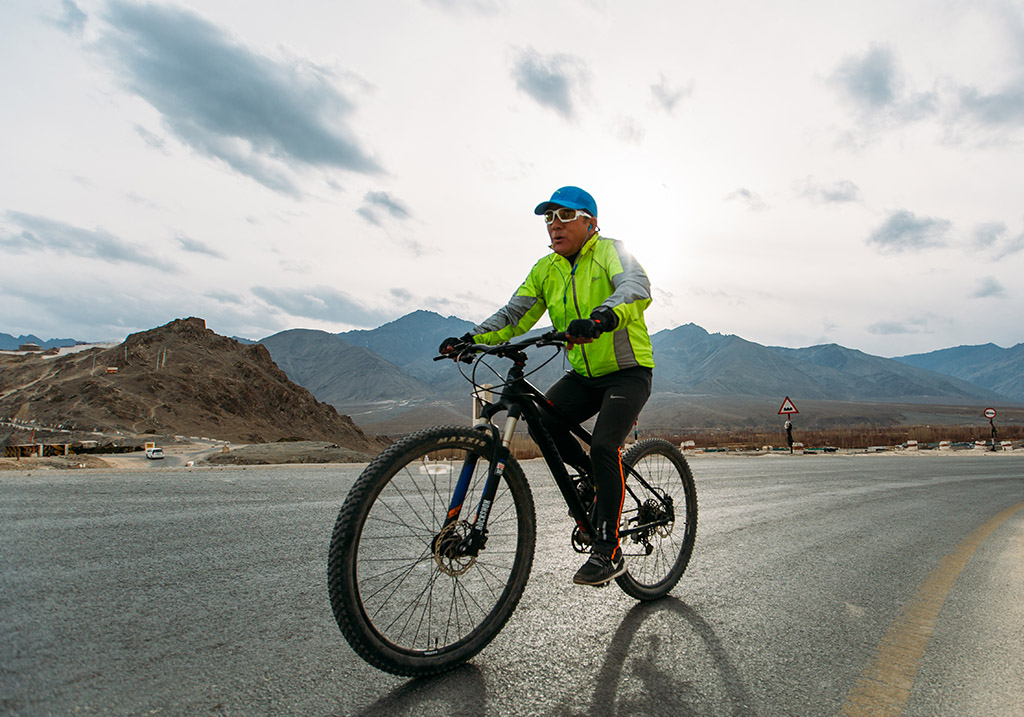 Cycling through Leh Valley